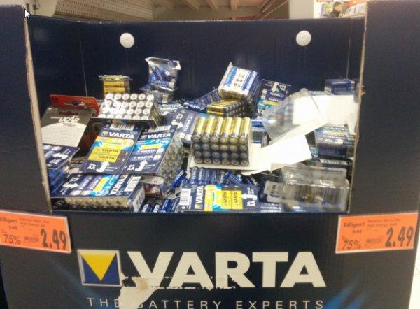 ABGELAUFEN Kaufland Stuttgart Bad Cannstatt  Varta 24er box Wahlweise AA oder AAA 2,49