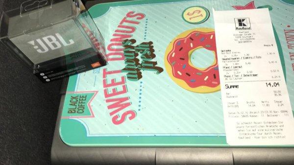 JBL GO für 6,24€ bei Kaufland - Vitrinenschränke aufmachen lassen, da dort noch viele Artikel gebunkert sind ;)