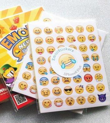 48 Stück Emoji Emoticon Sticker für 16 Cent [Aliexpress]