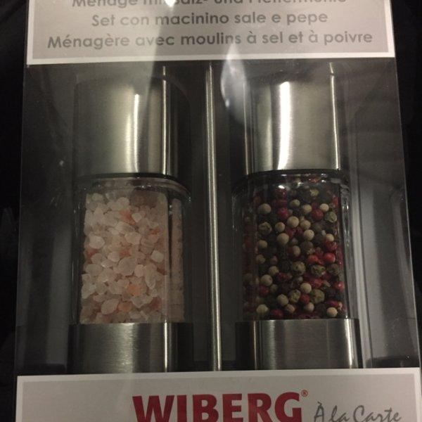 [Metro Karlsruhe]Wiberg Menage mit buntem Pfeffer + Salz in Edelstahl Mühlen 11,90 € /PVG 39,99 €