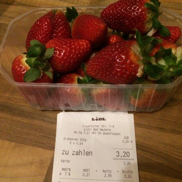 Spanische Erdbeeren 500g für nur 0,64€ im Lidl Markt Bad Nauheim in Hessen