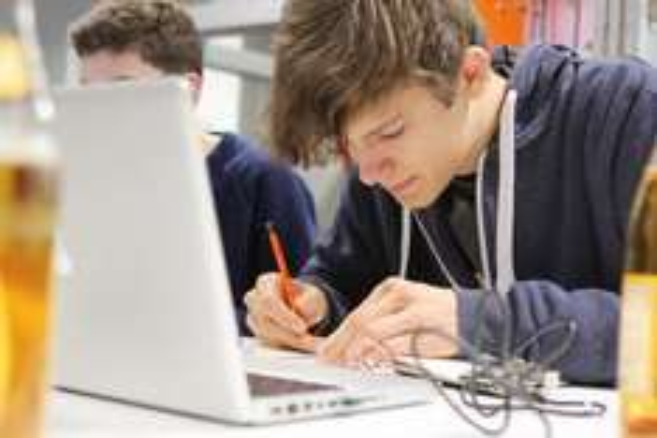 Jugend hackt ... informatives Handbuch als pdf.