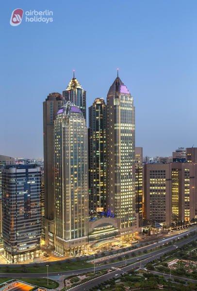 Luxusbade- & Städtetrip Abu Dhabi: 7 Tage im modernen 5* Sofitel mit Halbpension für 699€ inkl. Flügen mit Air Berlin & Transfer