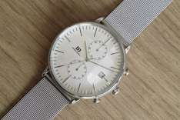 Danish Design Herren-Armbanduhr Analog Quarz Edelstahl IQ62Q975 Chronograph mit Milanaise Armband amazon.de