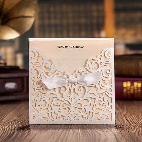 (amazon) 50x Einladungskarten für Hochzeit od. besondere Anlässe Elfenbein Laser Cut Schmetterling inkl Ümschläge