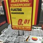 [Media Markt Dresden Elbepark] Flagtag Deutschland für die Motorhaube