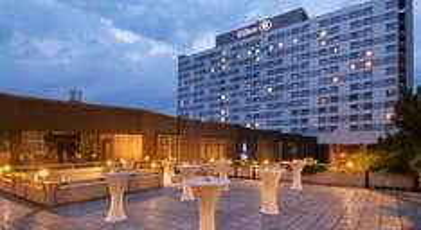 ( wieder buchbar) Düsseldorf : Übernachtung im 4* Hilton inkl. Frühstück - pro Zimmer 89 € - 44,50 € pro Person - plus viele gratis extras