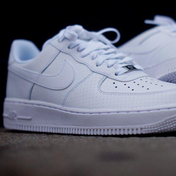 Nike Air Force 1 Low in Weiß für 58,50 € in 38,5 bis 48,5 [ASOS]