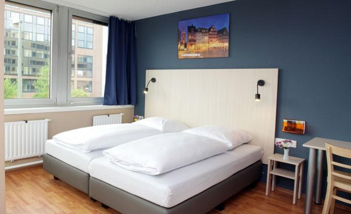 2 Übernachtungen für 2 Personen inklusive Frühstück in einem von zwei A&O Hotels in Prag