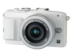 @Amazon.es: Olympus Pen E-PL6 Kamera (16,1 Megapixel, Full HD, 7,6 cm (3 Zoll) Display, WiFi) inkl. 14-42mm Pancake Objektiv/8GB Flash Air Karte weiß für 259,93€ statt 417,70€ Idealo