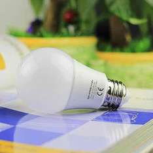 6x LED E27 800lm Glühbirne [Amazon Prime]