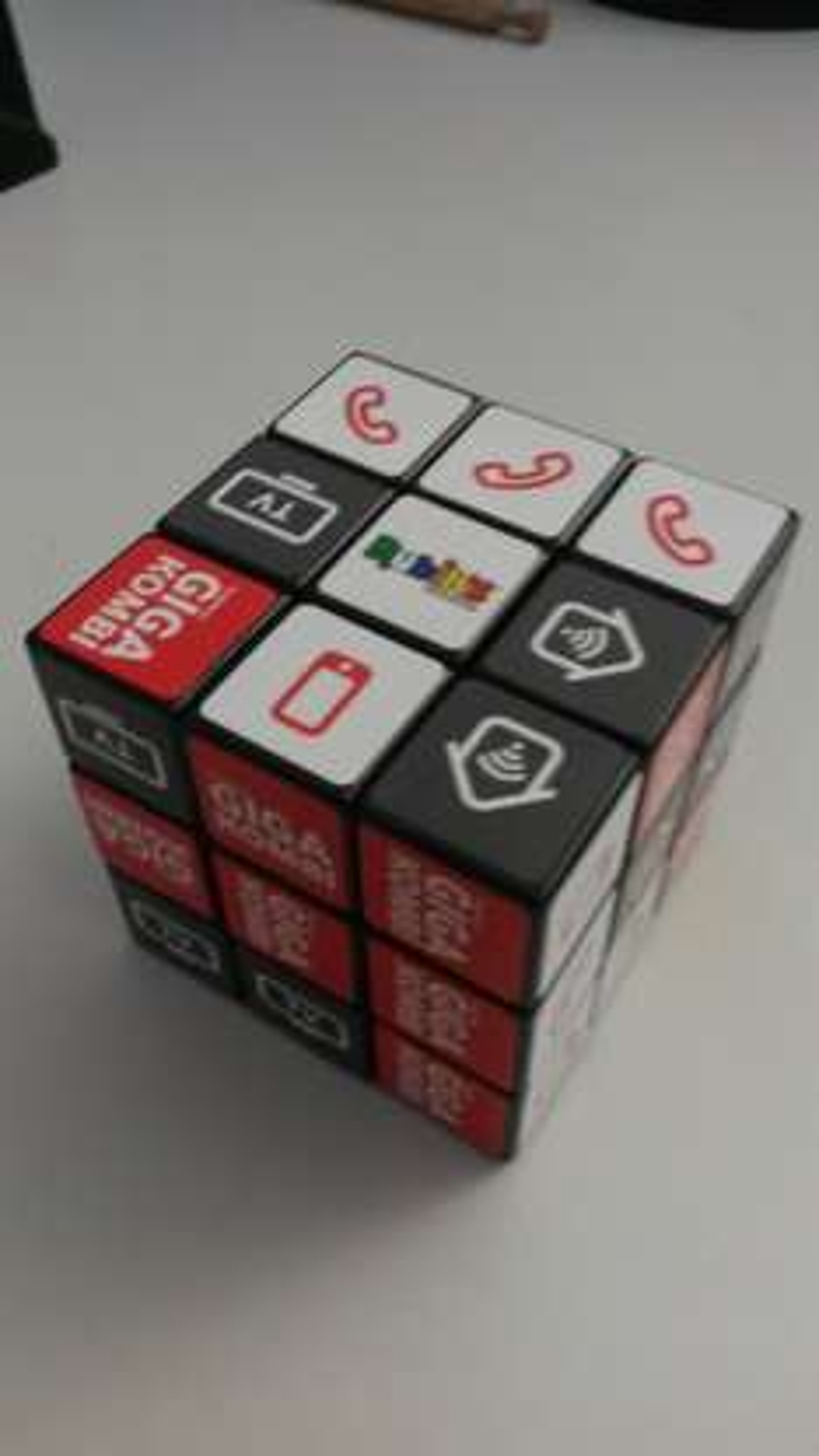 [LOKAL? Frankfurt] Rubikx27s Cube Vodafone