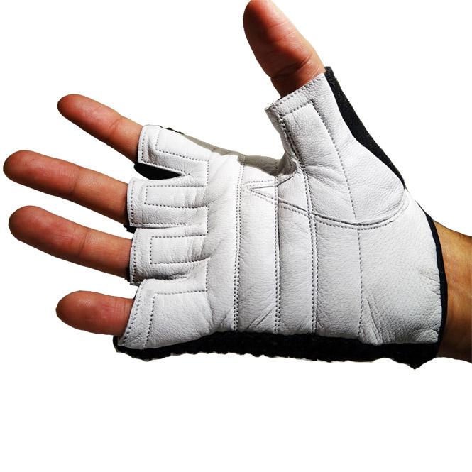 JEETA Trainingshandschuhe aus Leder mit leichter Polsterung und offenem Handrücken ab 5,31 € + 30 % Gutscheincode auf den gesamten Shop @Fitworld24