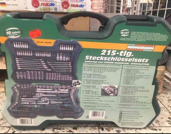LOKAL  Real SIEGEN Mannesmann Werkzeugsatz für 50 Euro Abverkauf im Eingangsbereich. Idealo 93,75 Euro