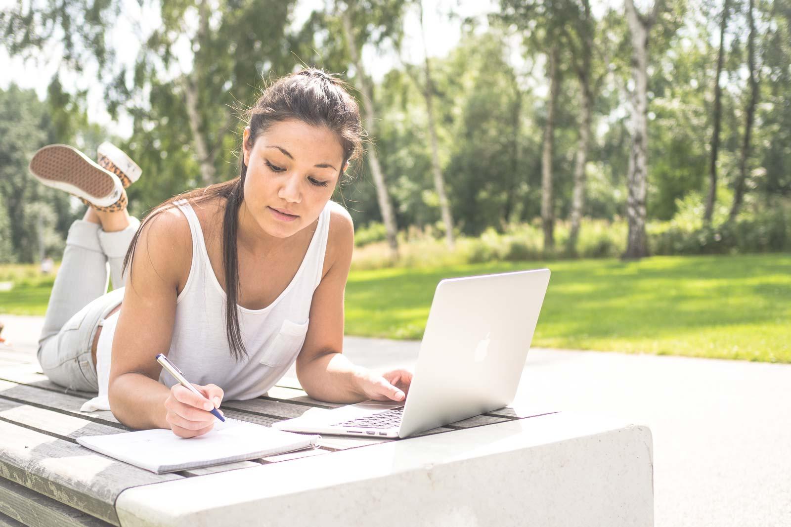 Comspot: 15 Prozent Rabatt auf Apple-Geräte (Studenten/Lehre/Schüler)