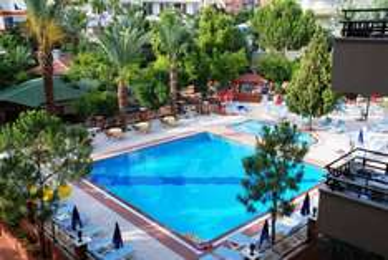 1 Woche Türkei für 2 Personen (Flüge inkl. Gepäck & sehr einfaches Hotel) 68€/Person // super Alternativen ab ca. 100€/Person