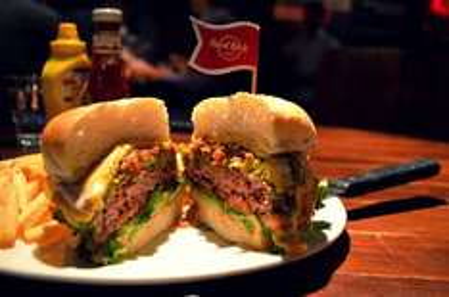 [Hard Rock Cafe / Geburtstagsangebot] 2 Burger oder sonstige Speisen zum Preis von 1