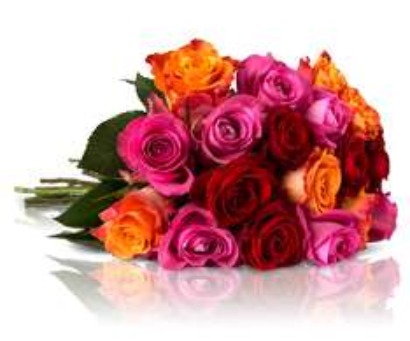 "[Update] Blumenarrangement ""Shiny Rainbow"" mit 28 bunten Rosen"