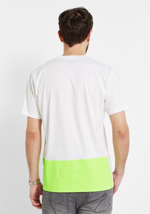 Carhatt T-Shirt - 54%, jedoch Versandkosten von 4,90€