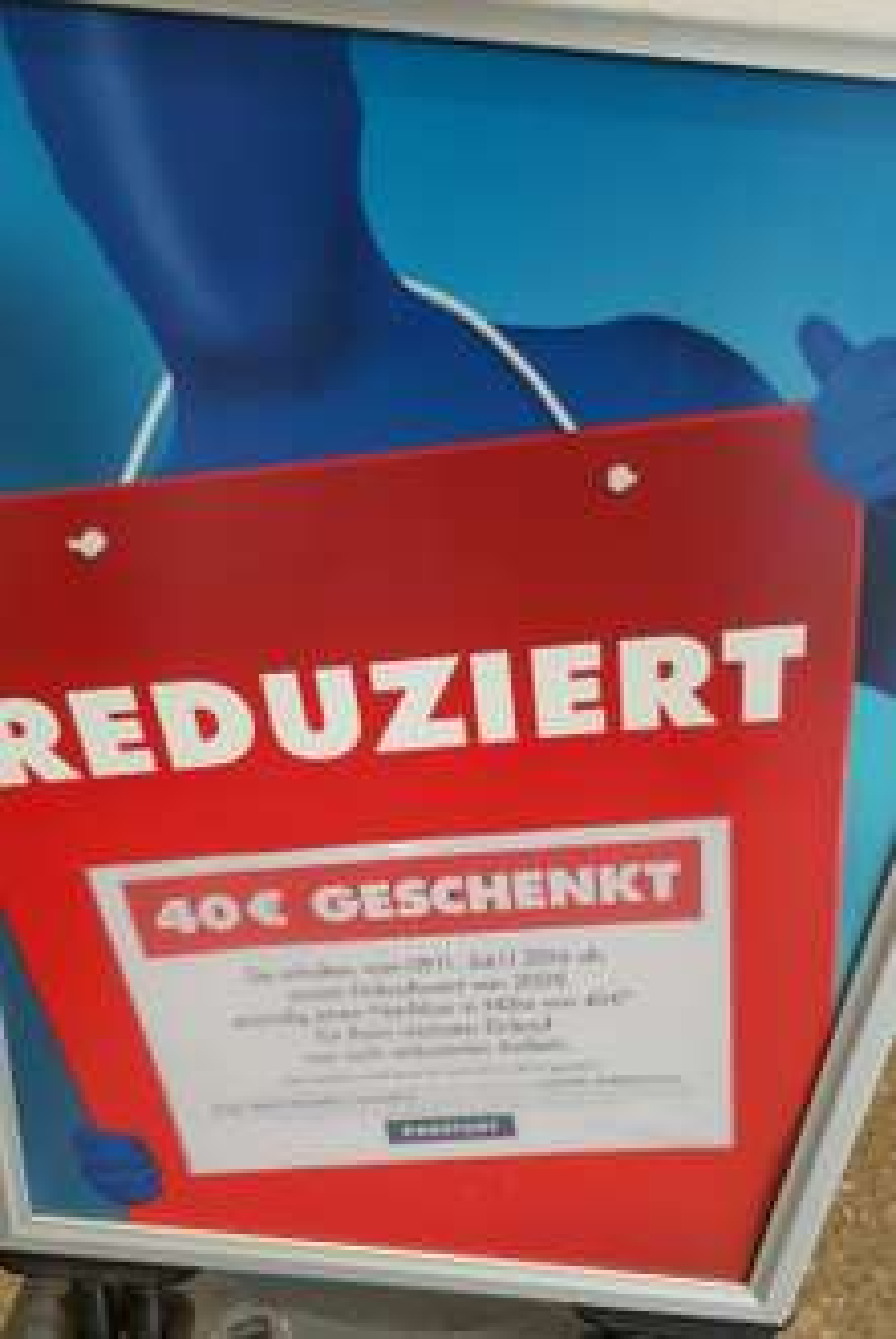 [Karstadt] 200 € einkaufen -> 40 € Gutschein bekommen (lokal/bundesweit?)