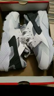Nike  Air Huarache im Nike outlet Jettingen
