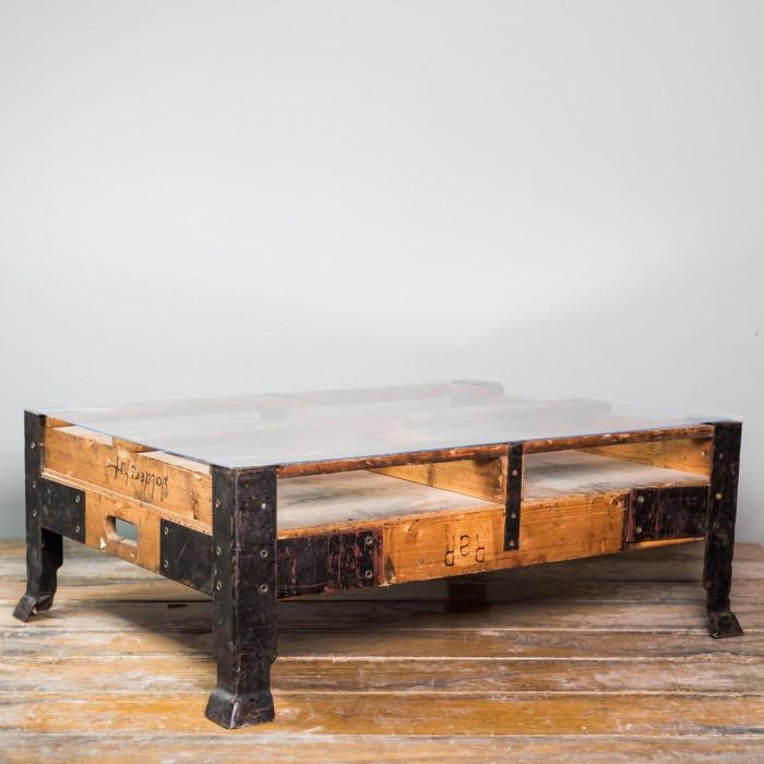 [weinkisten24.de] Vintage Industrietisch mit Glasplatte für 119€ (statt 189,80€)