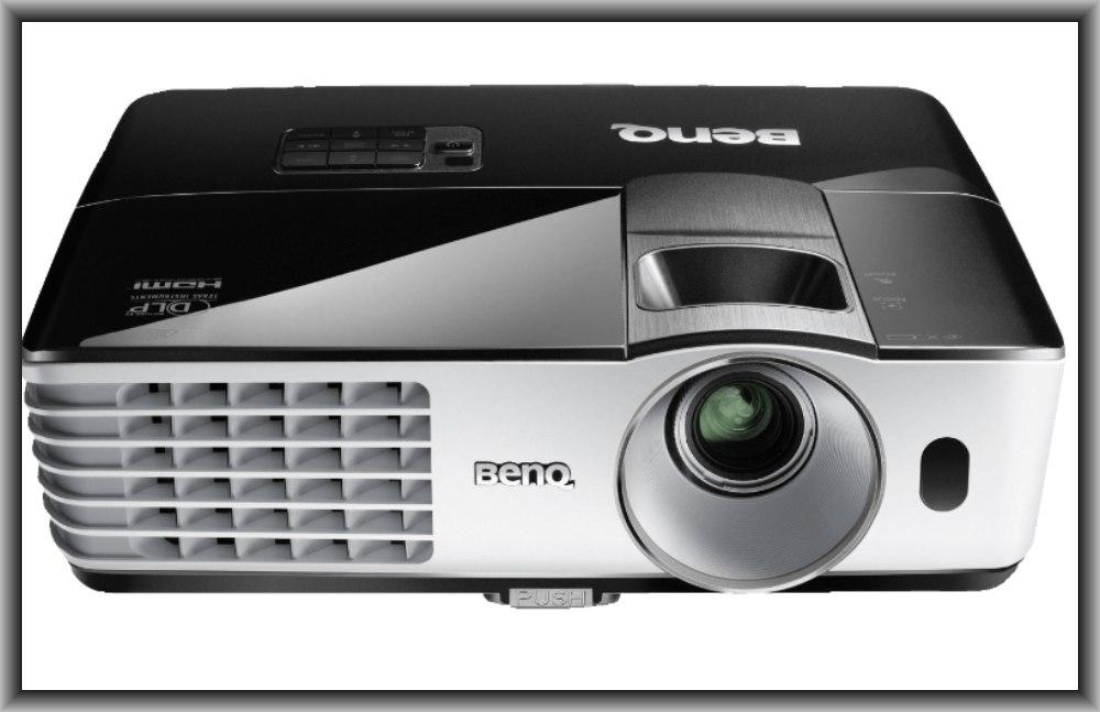 BENQ TH681H, DLP, Beamer, Full-HD, 3D, Saturn, 444€