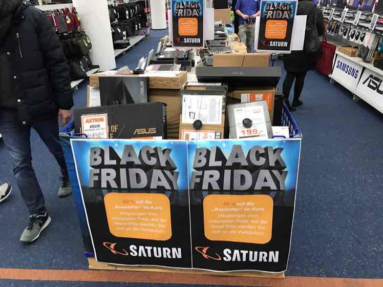 [Lokal Saturn Frankfurt] Notebooks, Ultrabooks und Tablet Ausstellungstücke und Restposten 20% discount auf ausgezeichneten Preis.