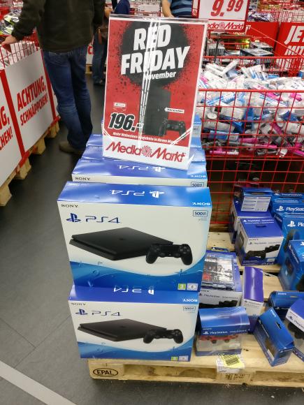 MediaMarkt Milaneo - Playstation 4 Slim 500Gb