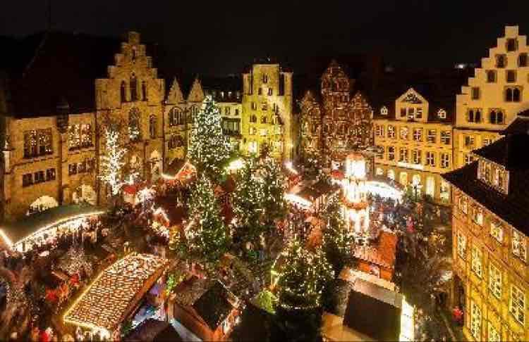Glühwein für 1,50€ auf dem Weihnachtsmarkt in Hildesheim