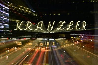 Berlin Neueröffnung Café Kranzler Glühwein oder Muffles für 1,50 € am 4.12 und vom 8.12 - 10.12