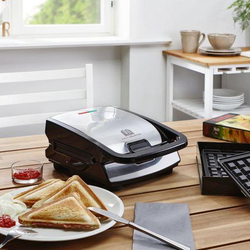 Tefal SW852D Snack Collection (Multifunktionsgerät für Waffeln und Sandwiches), inkl. 2 Plattensets, schwarz / edelstahl für 43,95 € @ mömax.de