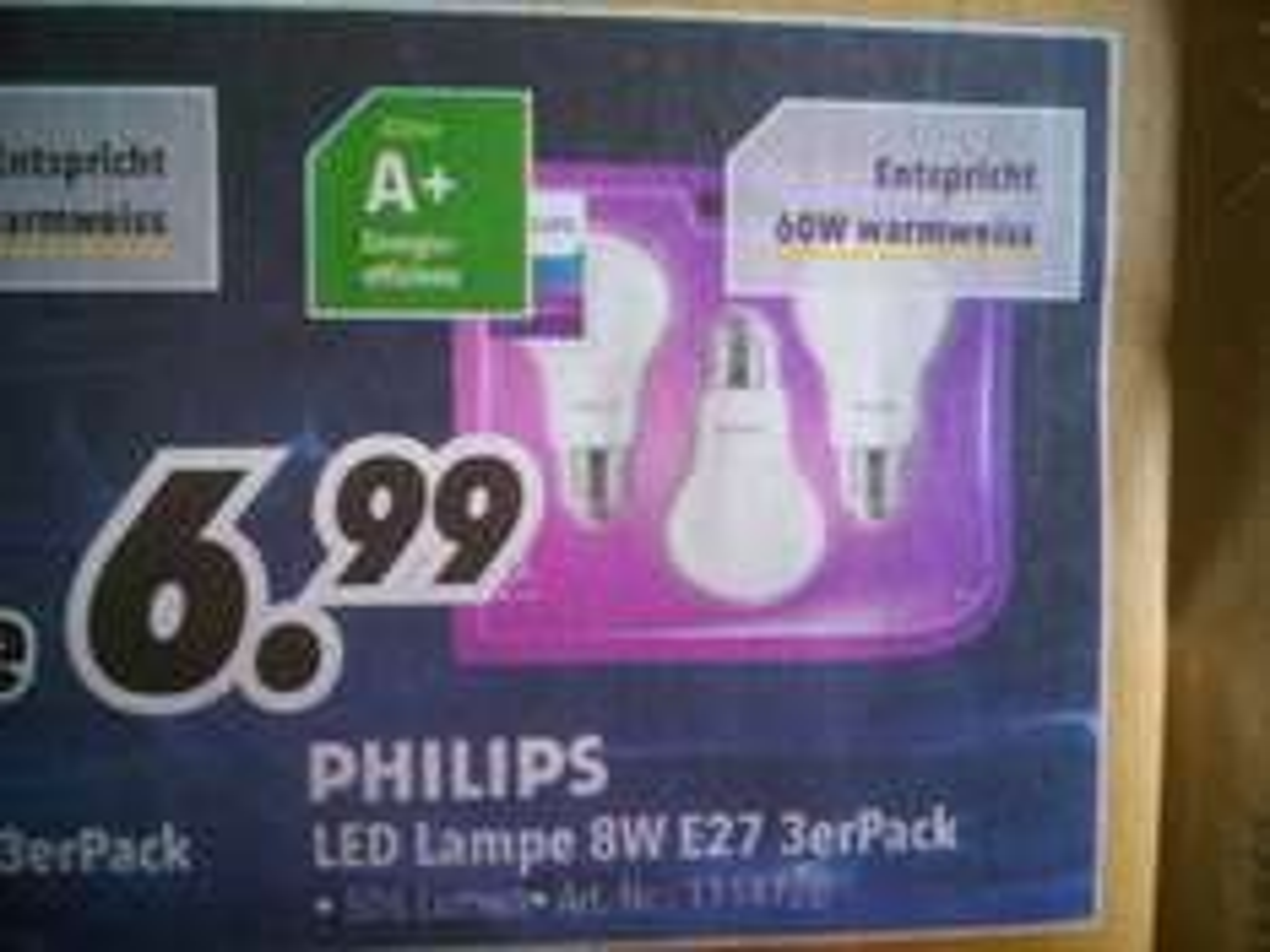 (Lokal) Medimax Philips LED Lampe 8W E27 3erPack