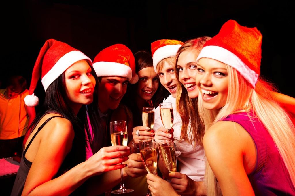Weihnachtsparty Time! 25% auf alkoholische Getränke - z.B. Jim Beam 7,5€ / Absolut 9,75€ / Cpt. Morgan 9€ [Amazon Student]