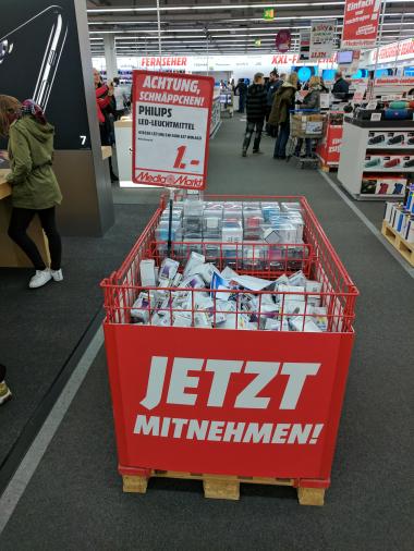 [LOKAL] Media Markt - Mainz - Philips LEDclassic Lampe ersetzt 40W, EEK A+, E27, warmweiß (2700 Kelvin), 470 Lumen, matt Glühbirne