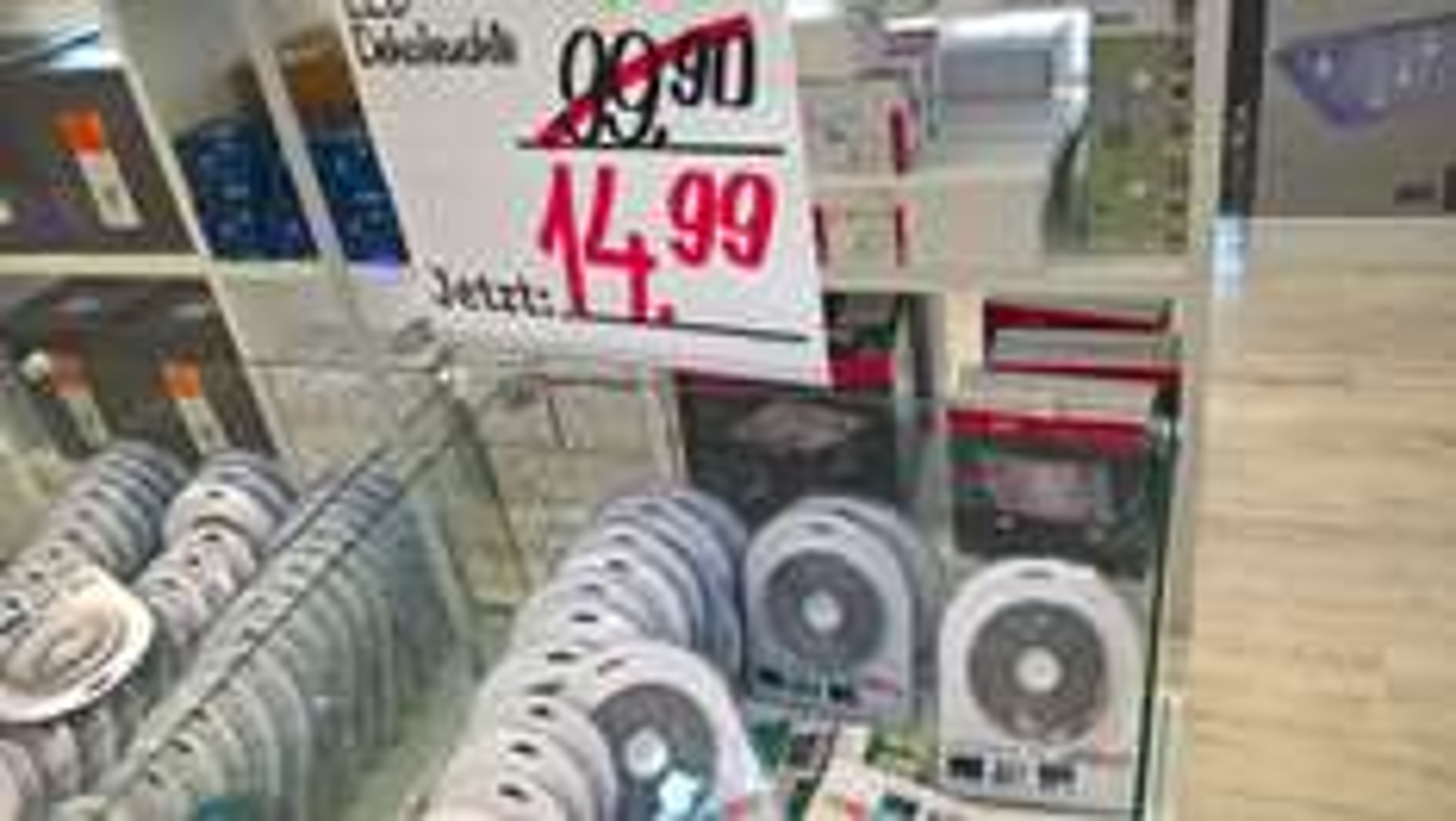 (LOKAL) XXXL Mann Mobilia Mannheim Lichtleistenset Boxxx, LED Stripes (RGB) 5m mit Fernbedienung