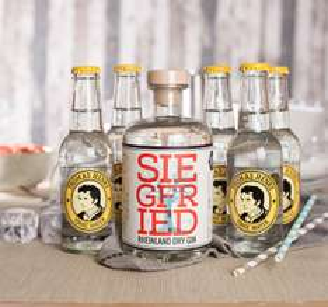 2x Siegfried Rheinland Dry Gin 0,5l + 10x Thomas Henry Tonic für 55,93€