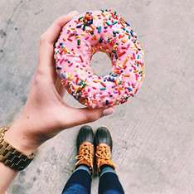 Dunkin Donuts Coupons - z.B. 24 Donuts für 9,99 EUR [Berlin, Leipzig und NRW]