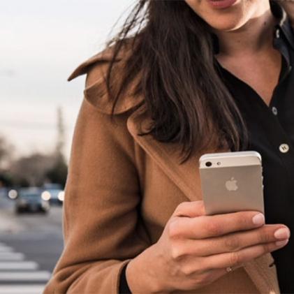 Apple iPhone SE 16GB für 329,90€ [gebraucht wie neu / alle Farben] @eBay