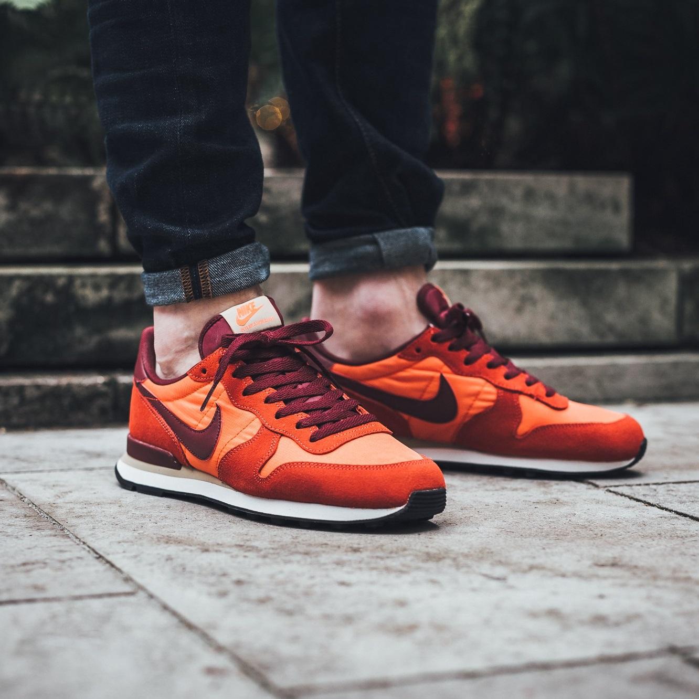 Nike The Internationalist in verschiedenen Farben mit 30 € Gutschein