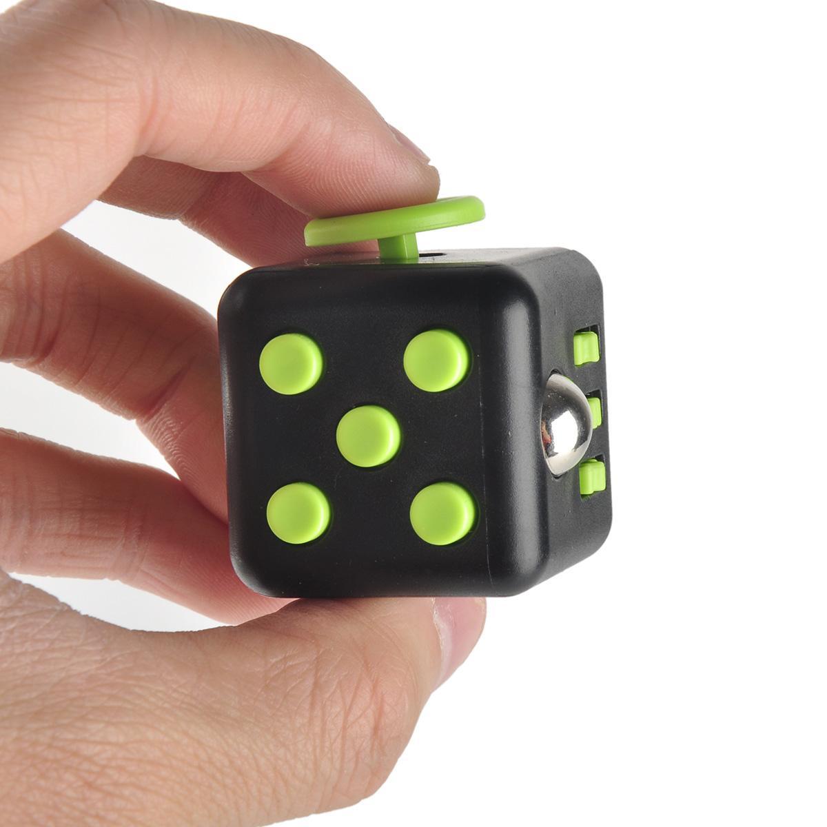 [@eBayDE] Fidget Cube - Fummelwürfel für 7,99 (Schwarz/Grün)