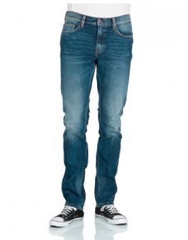 Jetzt mit 10€ Rabatt ab 50€: Ausgewählte Mustang Herren Jeans einzeln für 32,95€ (+3,90€), mit Gutschein zwei für 59,80€ ink. Versand (eine für 29,90€) *UPDATE*