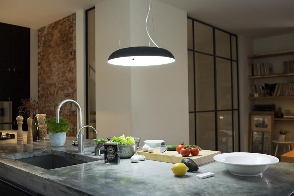 [amazon.fr] Philips Hue LED Pendelleuchte Amaze (inklusive Dimmschalter, alle Weißschattierungen, steuerbar auch via App) in schwarz oder weiß für 156€ statt 198€
