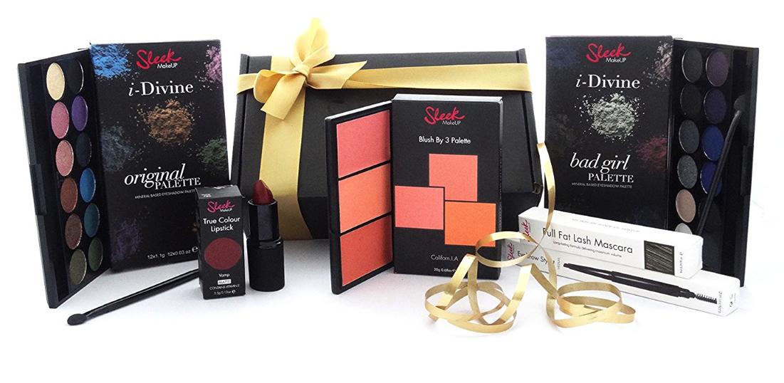 Sleek MakeUp The Ultimate Collection Geschenkset mit 2 Lidschatten Paletten, 1 Rouge Palette, Wimperntusche, Lippenstift und Eyebrow Stylist für 18,81€ mit [Amazon Prime]