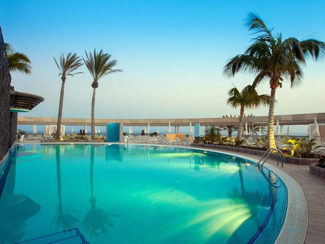 (LTUR.com) 2 Person - 7 Nächte Fuerteventura im 4*Hotel mit 92%HC; Direktflüge mit Gepäck, All Inclusive, Zug zum Flug, Spa, ... (644€/Person) (viele Termine, auch 1. Mai und Pfingsten!)