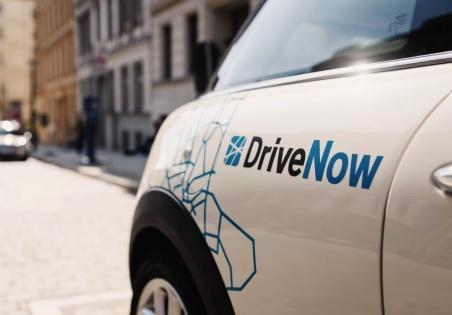 DriveNow: 4,99€ einmalige Anmeldegebühr + 5€ Cashback + 15 Freiminuten für jedermann