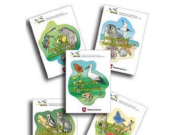 kostenlose Aufkleber, Sticker, Poster, Wespenmasken für Kinder uvm. beim Niedersächsischer Landesbetrieb für Wasserwirtschaft, Küsten- und Naturschutz -> es werden 2,50 € Versandkosten berechnet