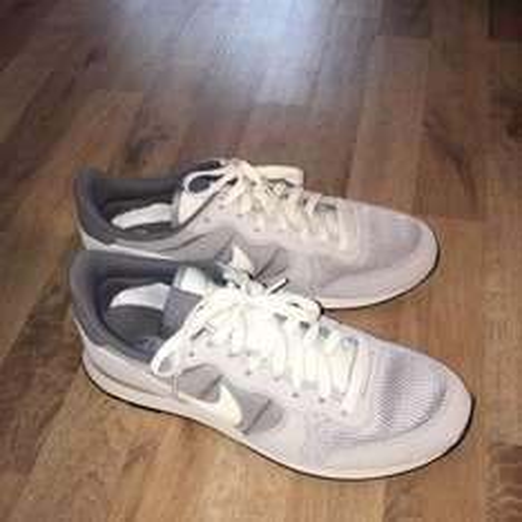 Nike Internationalist bei Snipes (Hamburg) für 40€