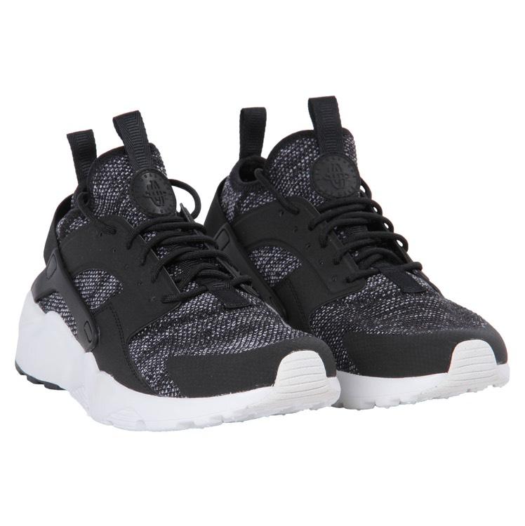 [103,92€] [engelhorn] Nike Air Huarache Run Ultra BR schwarz