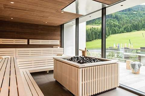 wellness urlaub in s dtirol mit hp f r 2 n chte 2. Black Bedroom Furniture Sets. Home Design Ideas